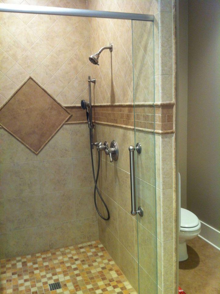 Single Diamond Shower • N Koehn Tile • El Campo, TX